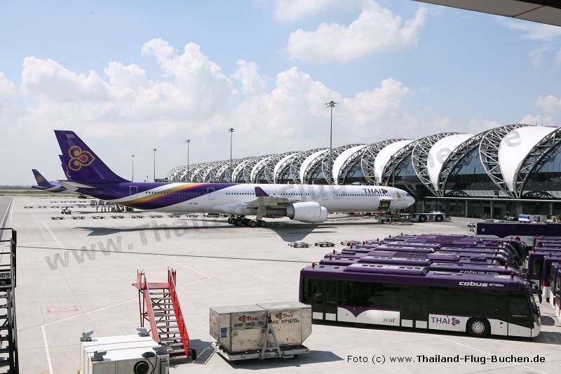 Bangkok Airport - Thai Airways Terminal